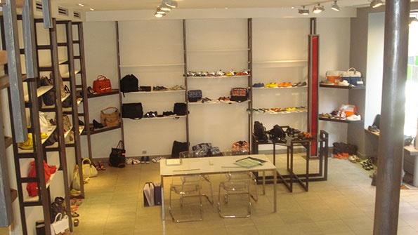 Showroomby - Un espace évènementiel unique en plein coeur de Paris : Etalage Sacs & Chaussures
